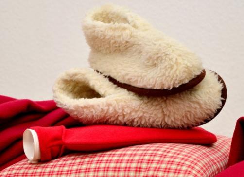 Die richtigen Hausschuhe im Winter nutzen